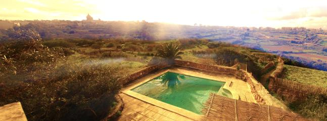 Dar ix-Xemx farmhouse with panoramic views and private swimming pool - Image 1 - Ghajnsielem - rentals