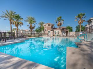 Community Pool and Club House - Gorgeous 3 Bedroom Best Suburb Summerlin Free WiFi - Las Vegas - rentals