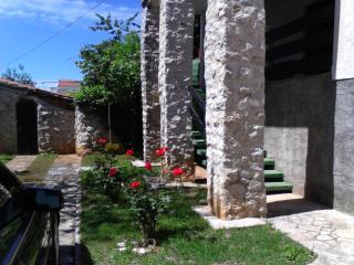 Apartmani Galić-Borik-Zadar - Sutomiscica vacation rentals