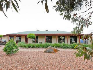 Retreat On Deakin - Mildura vacation rentals