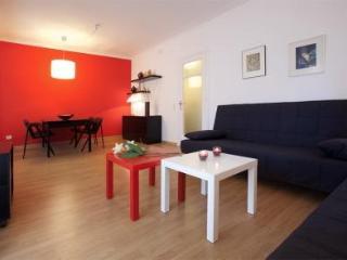 RED GLOW - Barcelona vacation rentals