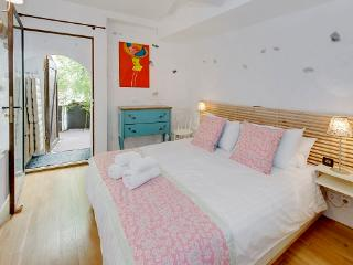 Magnolia- Outstanding 2 Bedroom Apartment with Balcony, in Old Town Nice - Monaco vacation rentals