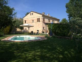 B&B in Marche with pool, near the sea and mountain - Macerata vacation rentals