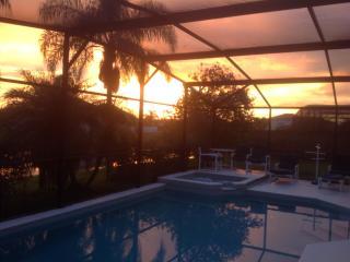 Lakeside Villa with south facing pool and spa - Kissimmee vacation rentals