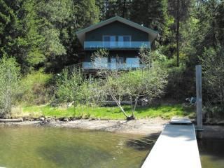 Lake Coeur d'Alene Family Cabin with Sandy Beach - Coeur d'Alene vacation rentals