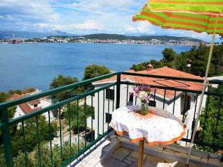Apartments Mile - 37921-A2 - Island Ciovo vacation rentals