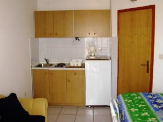APARTMENTS AND ROOMS ZDENKO - 60081-A5 - Vantacici vacation rentals