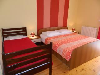 APARTMENT AND ROOMS JASMINKA - 67881-S1 - Vrbnik vacation rentals