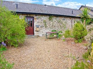 4 ROGESTON COTTAGES, woodburner, romantic retreat, contemporary furnishings and traditional features, near Broad Haven, Ref: 24957 - Broad Haven vacation rentals