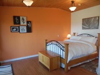 Armand Heights Bed and Breakfast   Red Cedar Suite - Salt Spring Island vacation rentals
