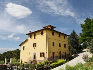 A nest in the heart of Tuscany - Certaldo vacation rentals