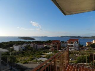 Apartments Mate - 20201-A2 - Grebastica vacation rentals