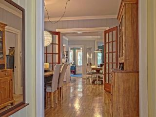 Large and beautiful condo, right in the old city! - Levis vacation rentals