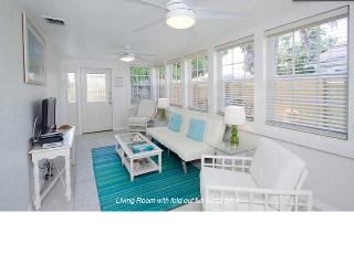 Downtown Coastal Charm - Private Cottage, Jacuzzi - Hollywood vacation rentals