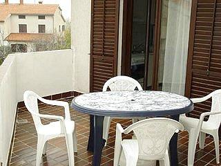 Apartments Stipe - 71501-A1 - Banjole vacation rentals
