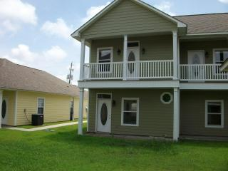 Fully furnished 2-bedroom by beach - Mississippi vacation rentals