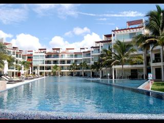 Front Beach Condo the element ! - Playa del Carmen vacation rentals