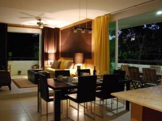 Meridian 202 - Condo Alegria - Playa del Carmen vacation rentals