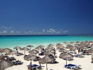 Las Olas 101 - Condo Mia - Playa del Carmen vacation rentals