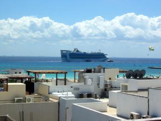 Las Olas 304 - Penthouse OM - Playa del Carmen vacation rentals