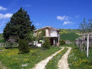 amazing house in the country - Castelvecchio Subequo vacation rentals
