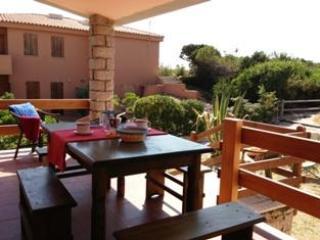 Villino Li Rosi Marini Bianchi - Badesi vacation rentals