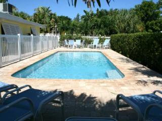 YELLOWBIRD COTTAGE B - Anna Maria vacation rentals