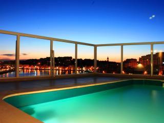 Seaview penthouse with plunge pool, sleeps 8 - Marsascala vacation rentals