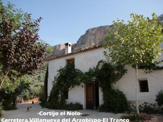 Vivienda Turística El Nolo - Villanueva del Arzobispo vacation rentals