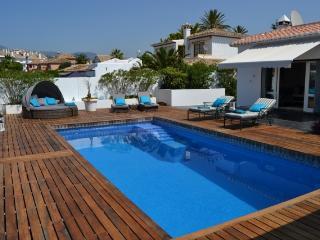 Villa Rose 42881 - Calahonda vacation rentals