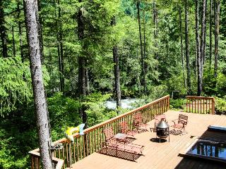 Riverfront, pet-friendly home with a private hot tub! - Welches vacation rentals