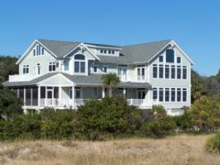 Coastal Charm Southern Living-Oceanview Sleeps 25 - Fripp Island vacation rentals