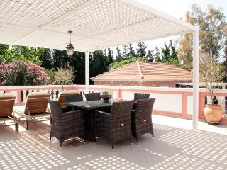 Titika a family apartment in a traditional complex - Chania vacation rentals