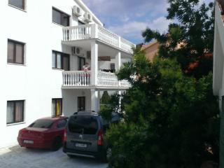 Apartments Dusper-red - Okrug Gornji vacation rentals