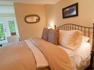 Baby Grand Suite at Kye Bay B&B - Comox vacation rentals