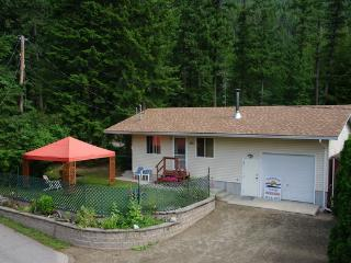 Sunnybrae Cottage & Wellness Center - Sicamous vacation rentals