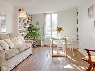 Apartment Chatelet vacation holiday apartment rental france, paris, 1st arrondissement, chatelet, sleeps six, centally located,  - Ile-de-France (Paris Region) vacation rentals