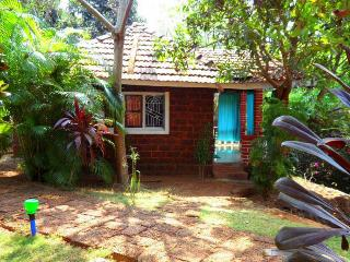 Romantic couples retreat in cottage Berlin - Karnataka vacation rentals
