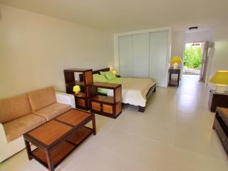 NICE STUDIO ON THE LAGOON IN BAIE NETTLE - Saint Martin-Sint Maarten vacation rentals