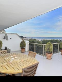 Apartment In A Luxury Zone With Pool And Garden, Huge Terrace Of 70sq.m With Ocean View - Sitges vacation rentals