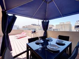 015 Effulgent, Midmost, Sliema penthouse - Haz-Zebbug vacation rentals