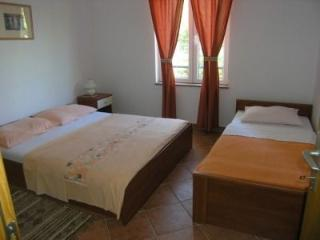 JurAn Sukosan-Croatia: Apartment A1 (3+1) - Dalmatia vacation rentals