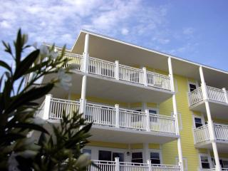 The Ocean View Condo, Steps to the beach - Tybee Island vacation rentals