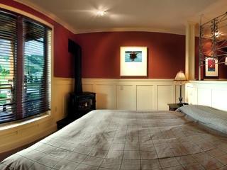 Lodge Suite Blue Mountain quiet escape - Collingwood vacation rentals