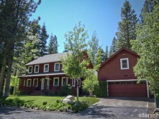 Lrg Family Home -  Pool Table, Hot Tub, Forest/Mtn - South Lake Tahoe vacation rentals