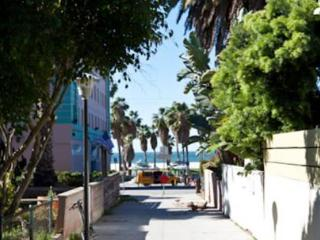 VE Dudley Lower - Culver City vacation rentals