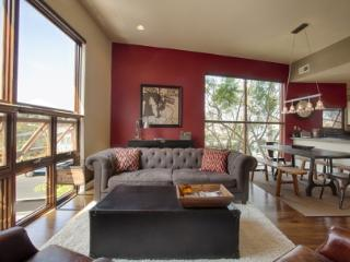 VE Rennie 2BR - Santa Monica vacation rentals