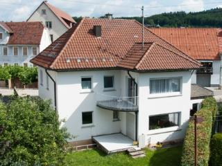 Vacation Apartment in Albstadt-Onstmettingen - 484 sqft, central, quiet, convenient (# 4114) - Hechingen vacation rentals