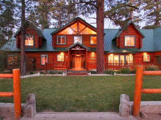 Timber Lodge - On Over 3.5 acres! Spa! Pool Table! - Big Bear Lake vacation rentals
