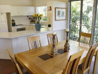 Large family home Noosa Heads - Nestled In Noosa - Noosa vacation rentals